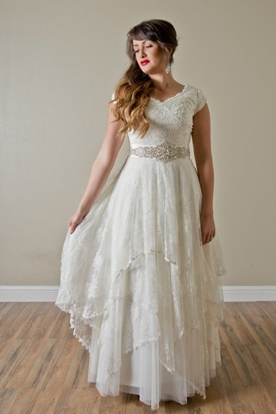 Cute STUNNING wedding dress for RENTAL amazing and SO affordable