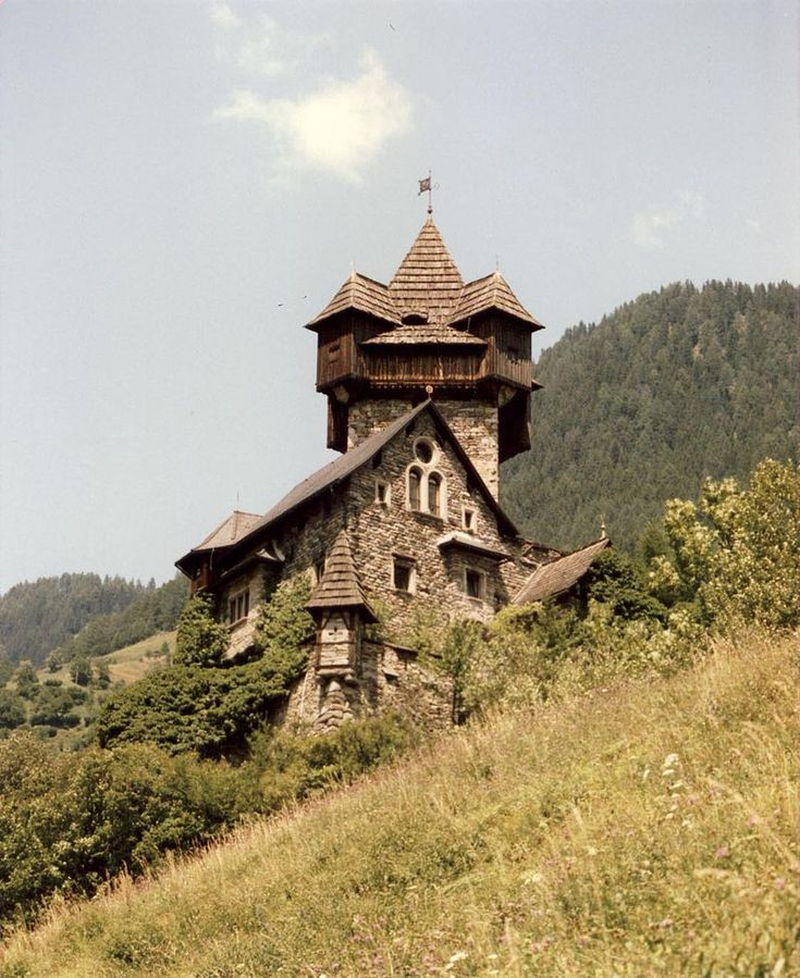Niederfalkenstein 01 - Falkenstein Castle (Niederfalkenstein) - Wikipedia, the free encyclopedia