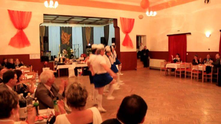 Obecni ples Šilheřovice: Mažoreti z Bolatic, 11.leden2014