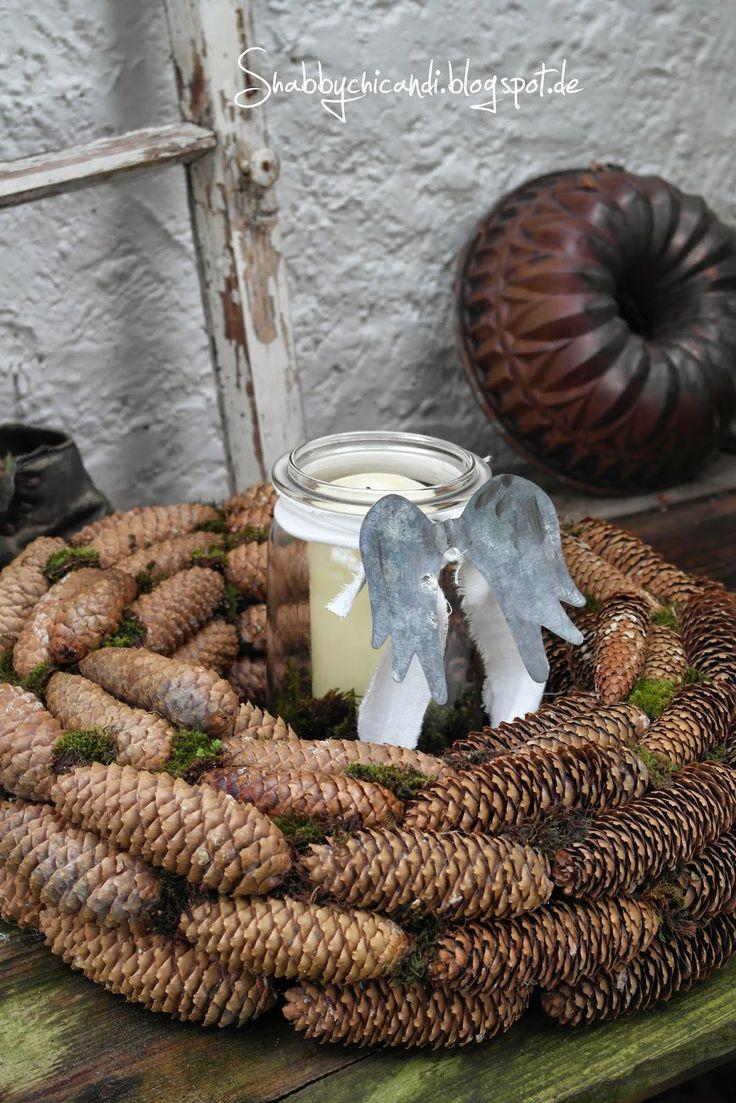 DIY Kranz aus Zapfen und Zimtbrezeln…
