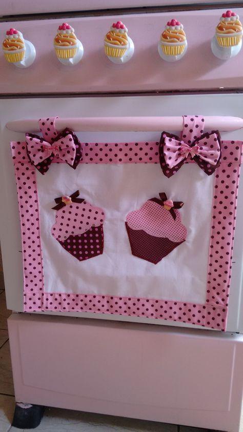 .Panô de fogão em patch apliqué cup cake, fazemos também o jogo completo para sua cozinha, é só se informar conosco.