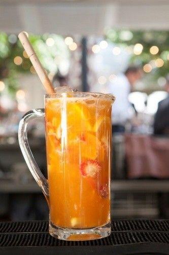 6 cervezas Estrella fresas 2 naranjas zumo de limon o limonada