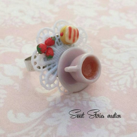 Check out this item in my Etsy shop https://www.etsy.com/listing/277704234/vintage-strawberry-tea-ring-donut-ring