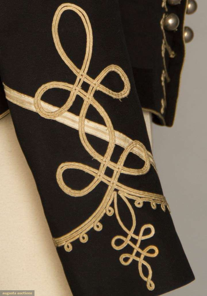 sleeve detail WOOL CAVALRY JACKET, AMERICA, 1889 - Augusta Auctions