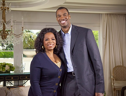 After NBA centre Jason Collins made the difficult decision to announce that he is gay, he made history by becoming the first ever active male professional athlete to publicly acknowledge his homosexuality. This Sunday, May 5th, 2013, he sits down with Oprah, along with his family in 'Next Chapter' and we can't wait to watch their conversation. I wish gay people didn't have to talk about their private life. After all heterosexuals don't. #Jason Collins #Oprah #Next Chapter #Gay #NBA