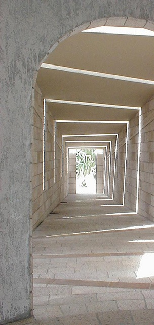 Florida Southern College - walkway - FL Wright by ijnicholas, via Flickr