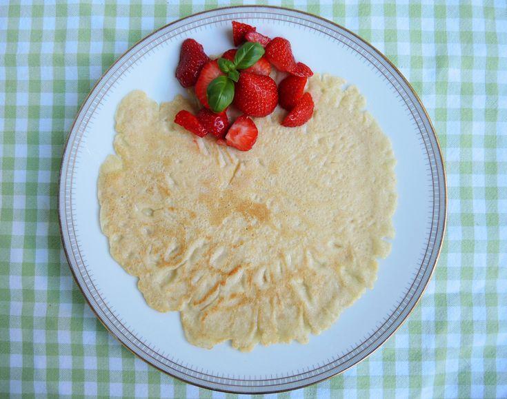 Pfannkuchen ohne Milch, herzfhaft oder süß: schnelle, milchfreie Eierkuchen aus der Pfanne Mineralwasser Dinkelmehl Zucker Eier Öl (zum Braten) Salz