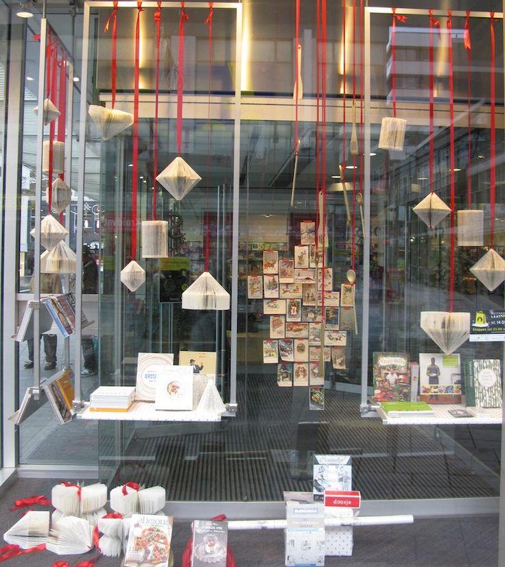 store window christmas displays | christmas window display | bookstore Selexyz | ... | Book Shop Windows