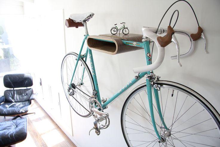 Regal fürs Rennrad