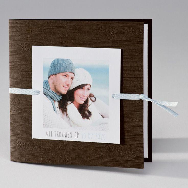Bruine trouwkaart met blauwe touch