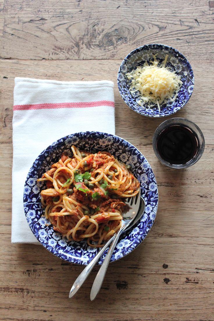 PASTA ALLA PUTTANESCA | ENJOY! The Good Life #food #enjoythegoodlife #foodfotography