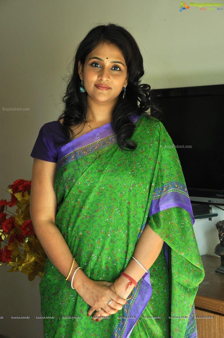 Beautiful Gayatri Bhargavi in Saree Photos