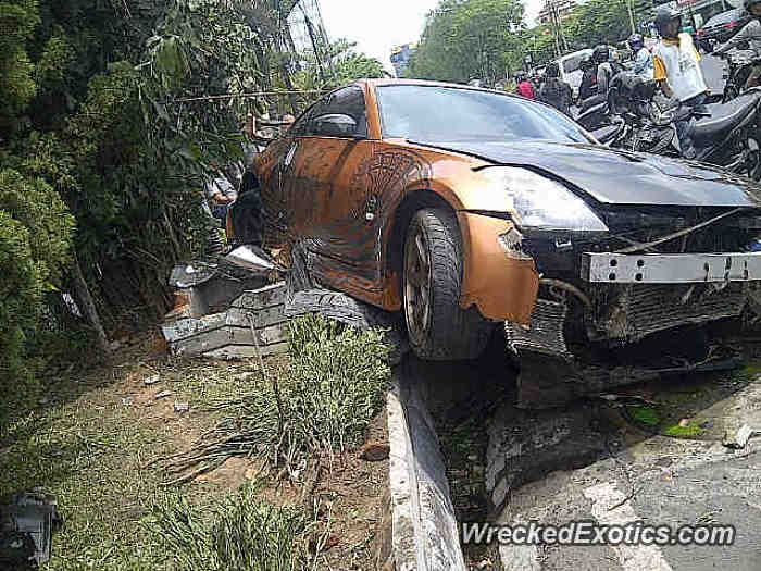 Nissan Z-Series 350Z crashed in Surabaya, Indonesia