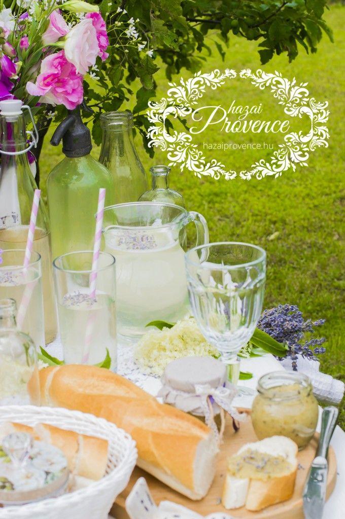Levendulás bodzaszörp (hazai)Provence módra - http://hazaiprovence.hu/levendulas-bodzaszorp-hazaiprovence-modra/