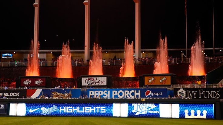 The New York Mets and Kansas City Royals will meet in the 2015 World Series, beginning at Kauffman Stadium in Kansas City on Tuesday, Oct. 27.