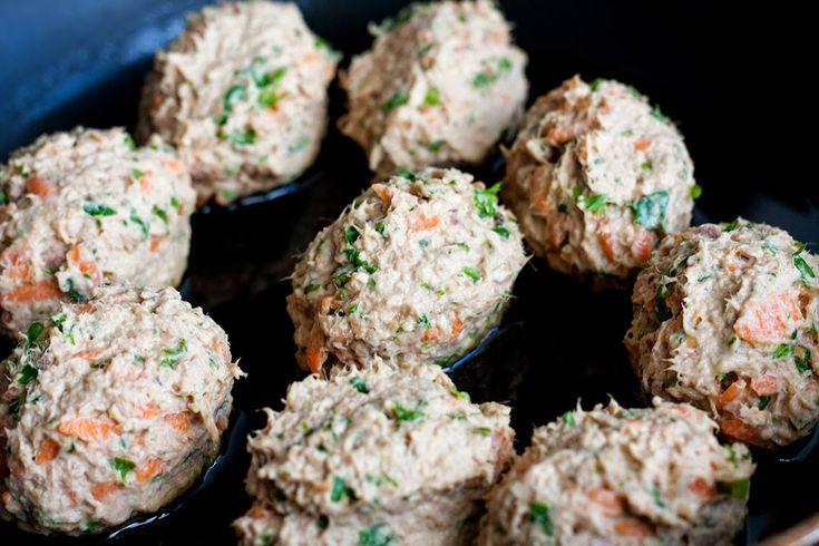 Tuna fish cakes En dåse tun kan også bruges til noget lidt mere spænende end bare altid en tunsalat til frokost :) Det er en lidt anden...