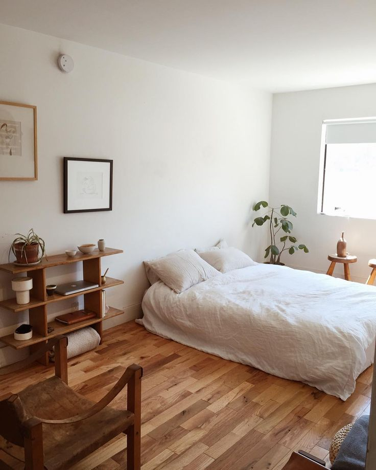 Pin By Teha On Living Spaces Minimalist Bedroom Design Bedroom Styles Bedroom Interior
