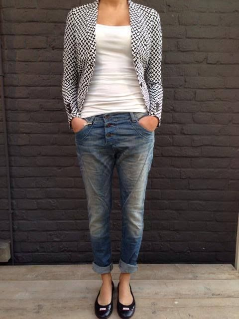 Jasje Penn & Ink, top 10 Days, jeans Please. Verkrijgbaar bij Pandd 6 House of Fashion