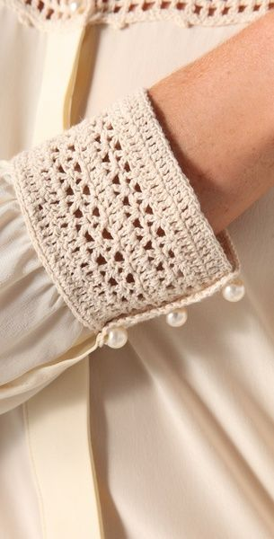 ao with <3 / Detail...Beyond Vintage Crochet Yoke Blouse in White Inspiracion ✭Teresa Restegui http://www.pinterest.com/teretegui/ ✭