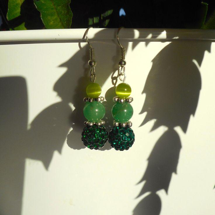 Boucle d'oreille perles Œil de chat et perles shamballa