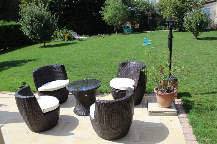 Bologna salon de jardin encastrable en r sine tress e 4 - Mobilier de terrasse design ...