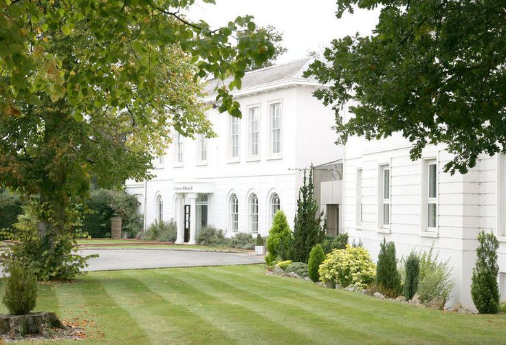 Manor of Groves Hotel is in the beautiful Hertfordshire countryside. A truly stunning place to get married.