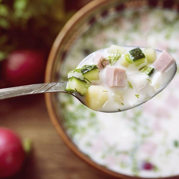 Soupe froide concombre-jambon