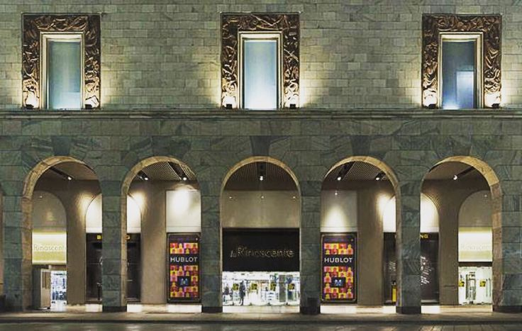 Last night in Milan it was inaugurated the renovated space of LaRinascente dedicated to #jewelery and #watchmaking. The space is on the ground floor of the department store in #PiazzaDuomo and welcomes the proposals of many brands as Bulgari , Chopard, Gucci, Hublot , LONGINES ...