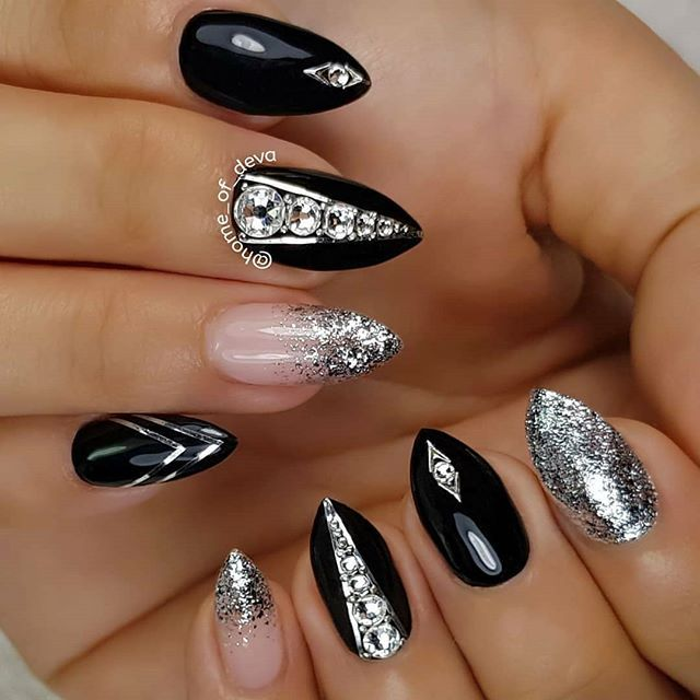Short Almond Shaped Nails With Black And Silver Gel Polish Silver Line Art And Clear Diamond Rhinestones Rhinestone Nails Simple Nail Art Designs Black Nails