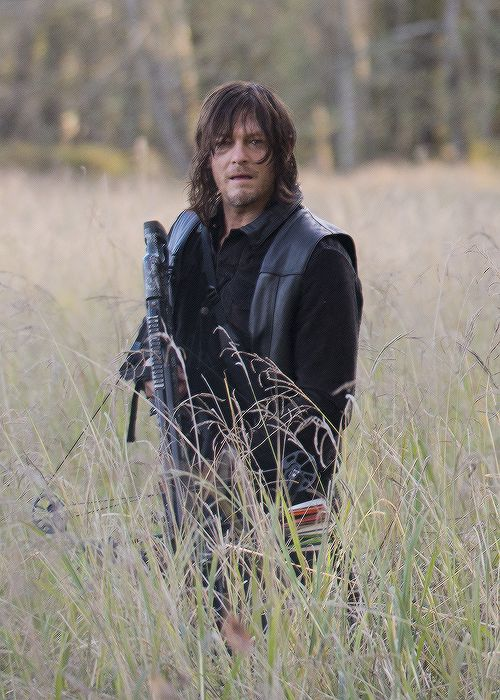 Daryl Daryl Dixon in The Walking Dead Season 6 Episode 15 | East