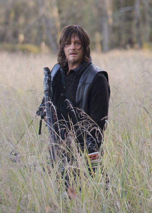 Daryl Daryl Dixon in The Walking Dead Season 6 Episode 15 | East