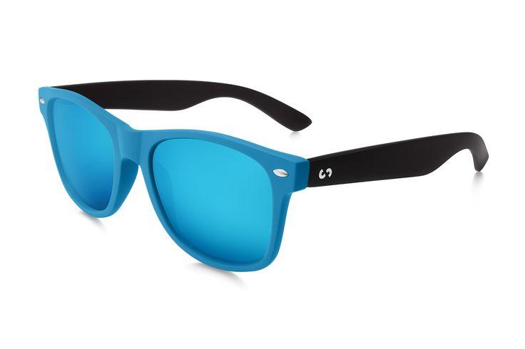 Occhiali da sole polarizzati:  SLANG / BLACK SKY di Slash Sunglasses  http://www.slashsunglasses.com/shop/slang/slang-black-sky.html