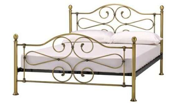 Coaster Dubarry Queen Bed Frame