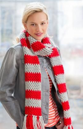 Don't you just love this striped scarf?  Free crochet pattern here!