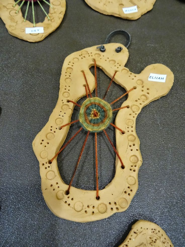 use clay to make looms for circle weaving