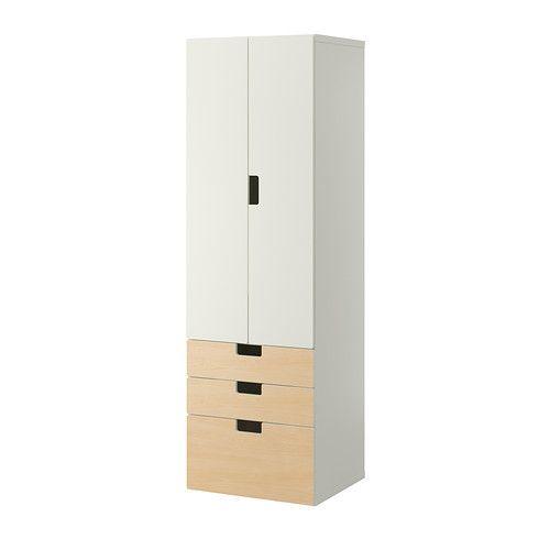 STUVA Combinaison de rangement IKEA Assez profond pour recevoir des cintres pour adulte.
