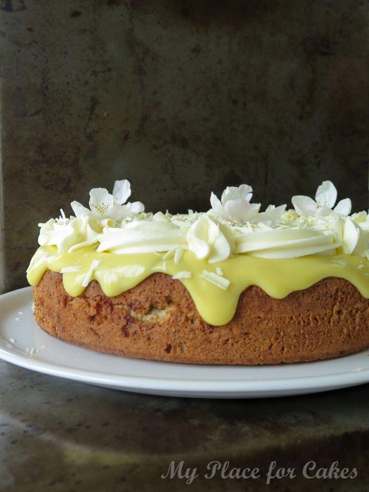 Almondcake with lemon curd and mascarponefrosting    Mandelkage med lemon curd og mascarponecreme