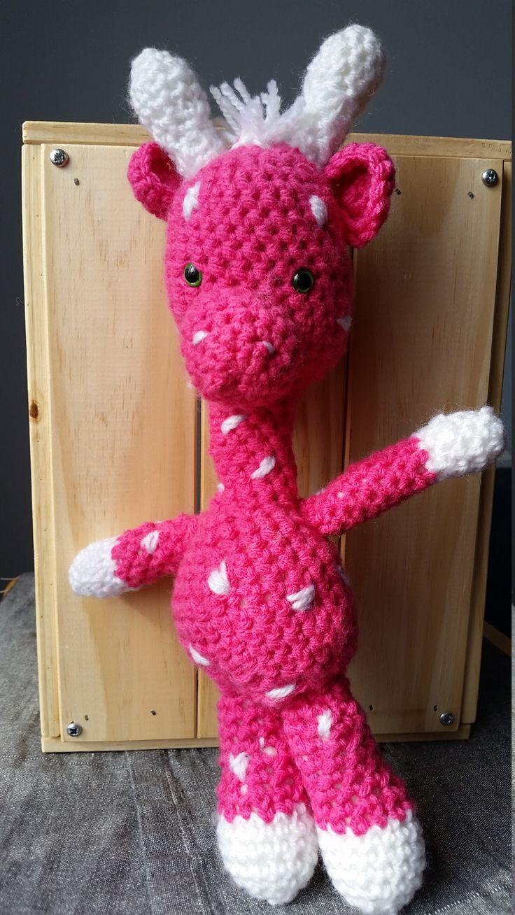 Peluche Girafe/ Toutou Girafe rose et blanche/ Jouet en laine Girafe rose et blanche/ amigurumi girafe/wool giraffe de la boutique Woolfilicrochet sur Etsy