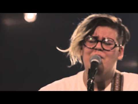 Gros Dimanche *extra* - Safia Nolin, Acide - YouTube