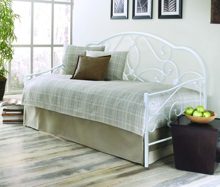 Duck Egg Blue Bedroom Decorating Ideas Ideas On Bedroom Decorating Bedroom With Loft Bed Ladies Bedroom Design Ideas: BEDZONLINE ALEXIS 3FT METAL DAYBED WHITE: Amazon.co.uk