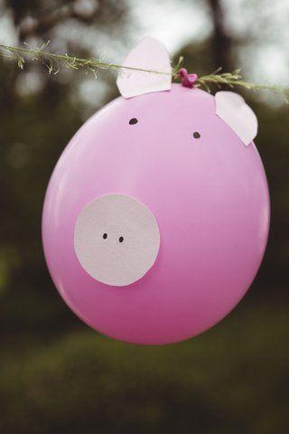 #eventyrligkogebog #thefairytalecookbook #hanschristianandersen #familybook #theswineherd #svinedrengen #food #diyprojects #fairytales #creative #inspiration #ballon Foto by Rasmus Luckmann
