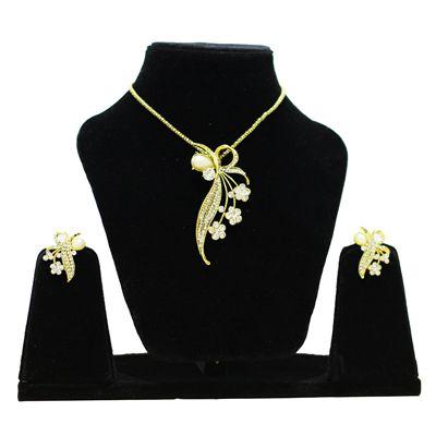 Buy Anjalika Golden Pendant Set by Anjalika, on Paytm, Price: Rs.705?utm_medium=pintrest