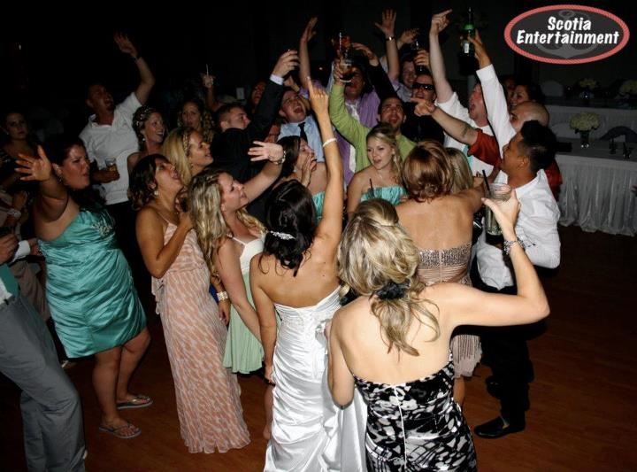 Wedding DJ Dance Floor Pic at Glen Eagle Golf Club in Caledon by http://www.ScotiaEntertainment.com