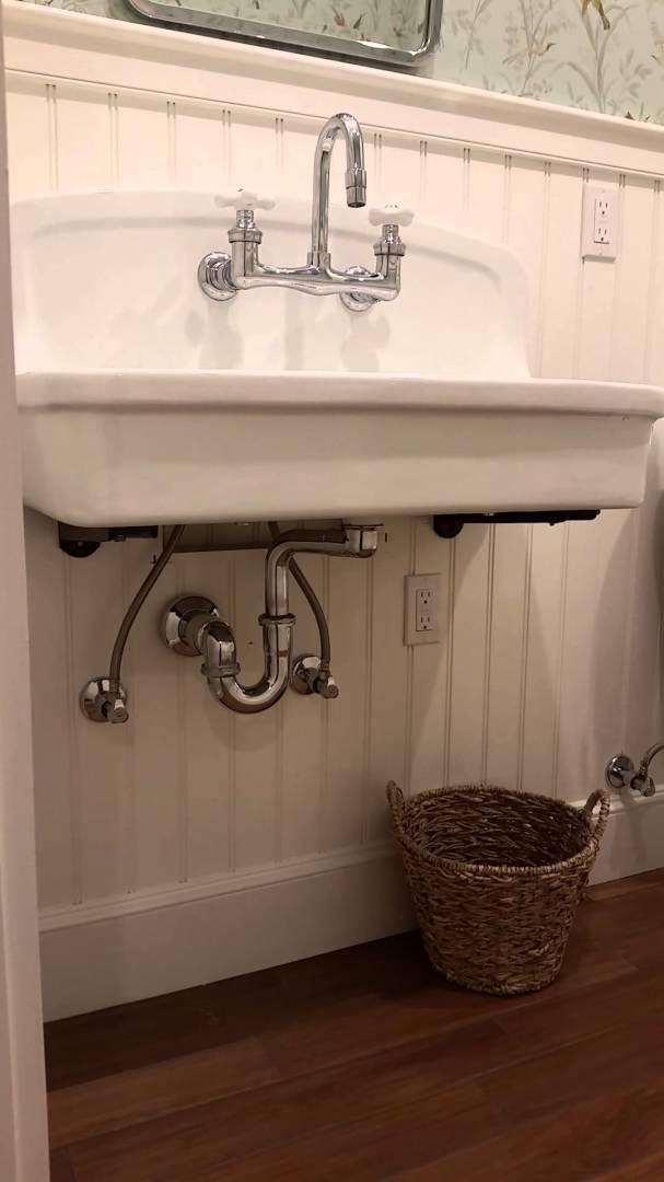 48 best images about universal design on pinterest roll for Vintage bathroom wallpaper
