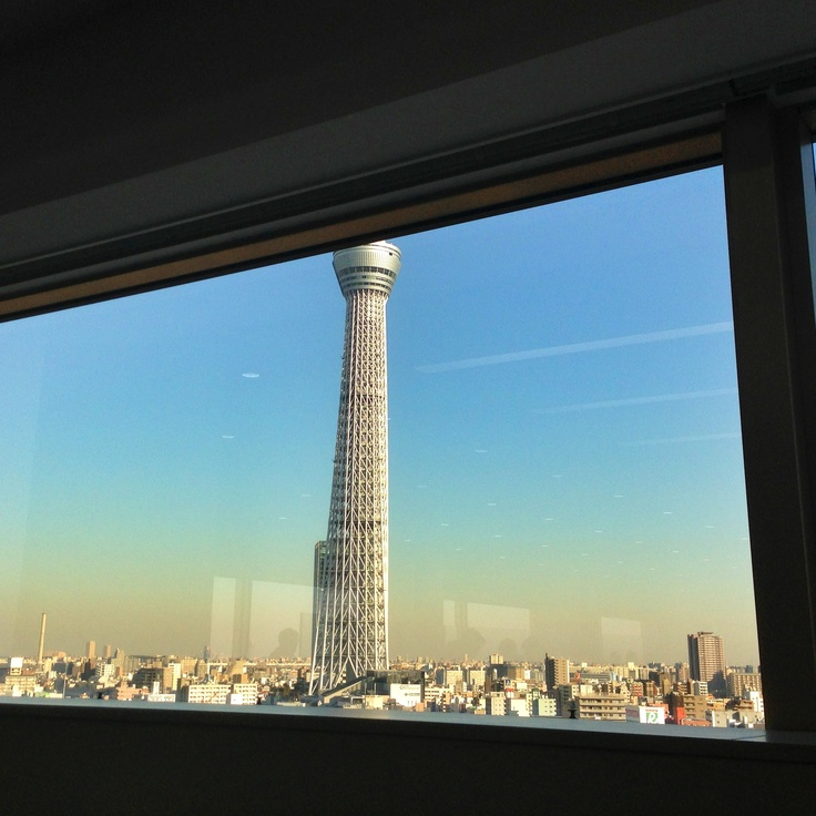 2012/12/28 PhotoDiary  眼前にスカイツリーが眺められるお客様のビルにて。  Sky Tree from the client's building.
