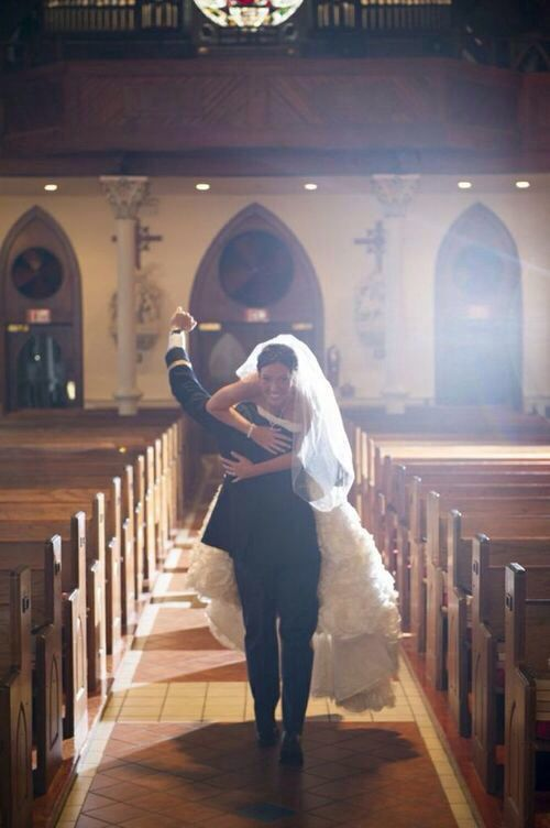 This is seriously the best wedding picture I've ever seen.