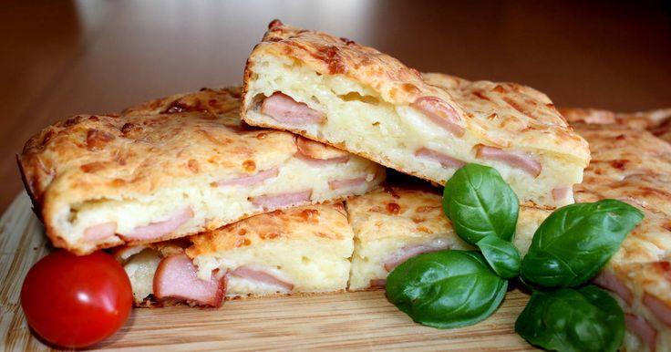 Mennyei Virslis-sajtos lepény recept! Ez a virslis-sajtos lepény recept remek ötlet lehet a nap bármely szakában, amikor valami finomságra vágyunk. Én legutóbb egy vasárnapi reggelire készítettem el, de egy rohanós hétköznapon akár ebédre vagy vacsorára is tálalhatjuk. Friss salátával nagyon finom! :)
