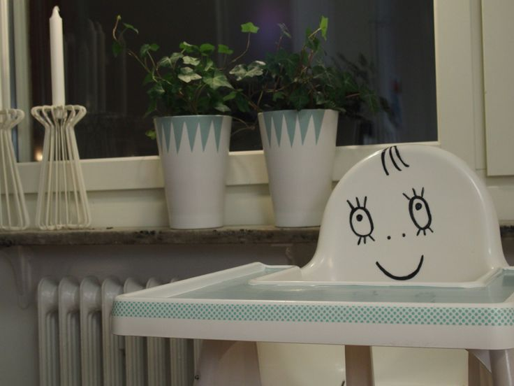 """""""Spöketlaban"""" Ikea matstol målad med sprit tuschpenna, dekorplast & washitejp-WWW.detaljqvinnan.bligg.se Instagram-detaljqvinnansinredning"""