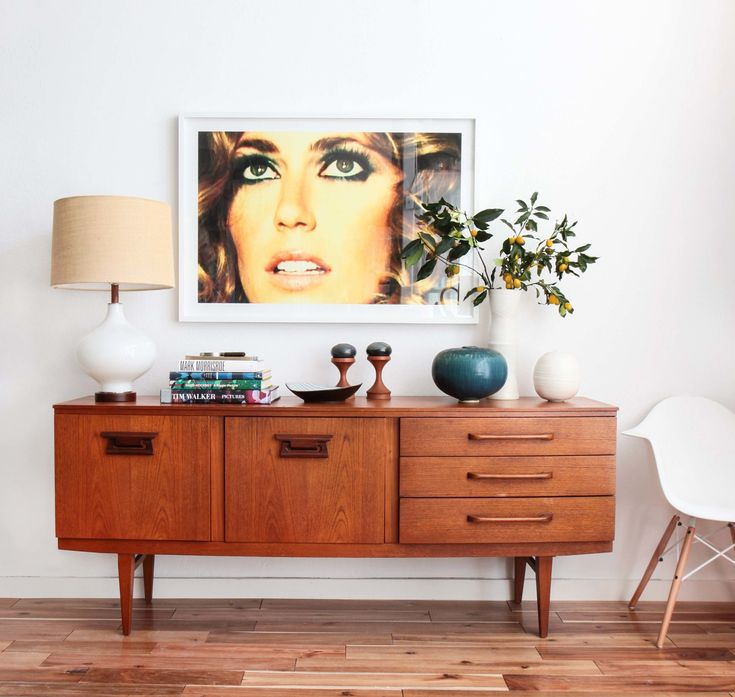 I love a good credenza and this one is mid-century modern beauty