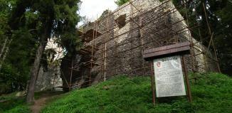 Volfštejn, opuštěný a zpustlý už od počátku 16. století